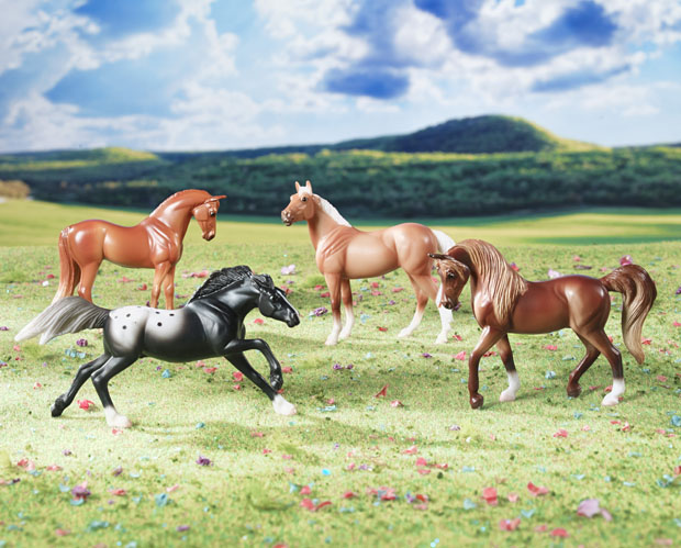 Image for Breyer Horses Stablemates Horse Crazy Gift Collection Box Set 4 Horses 1:32 Scale 5397